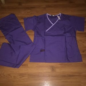 Large scrub set